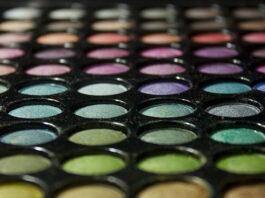 Makijaż cieniami